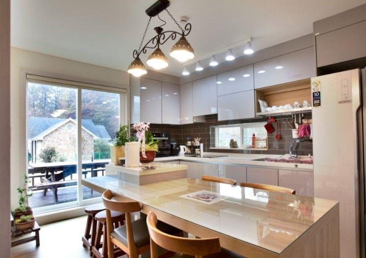 Goodhaus Modern dining room