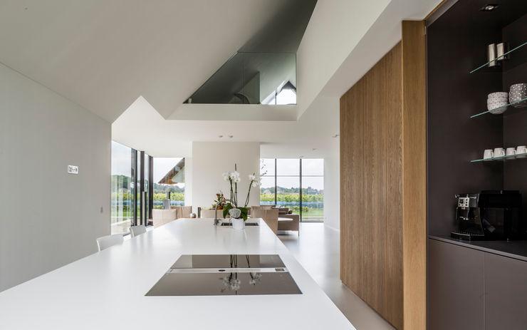 Maas Architecten Modern Kitchen