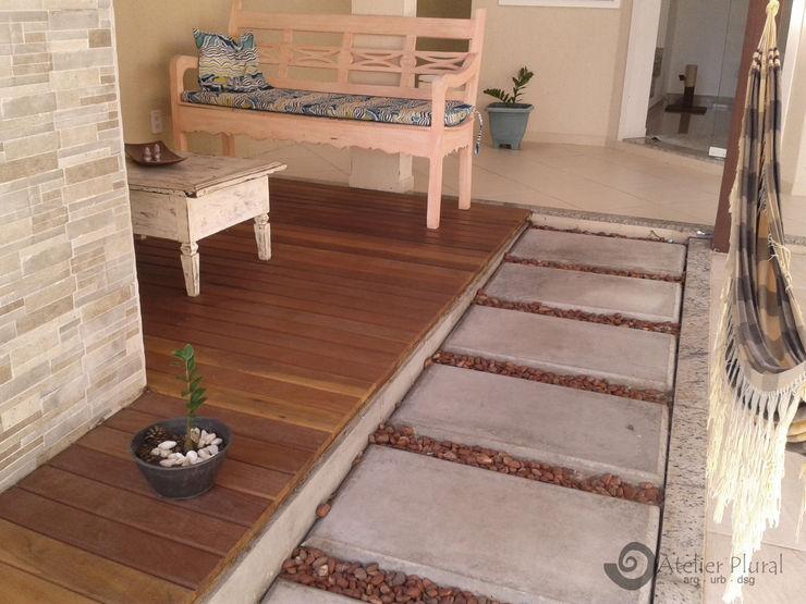 Piso do Estar Atelier Plural Rustic style walls & floors