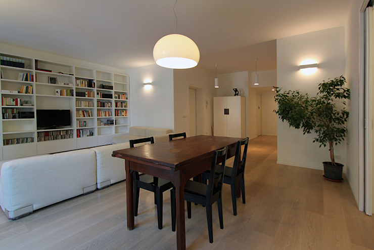 FAMILY HOUSE diegogiovannenza|architetto Sala da pranzo moderna