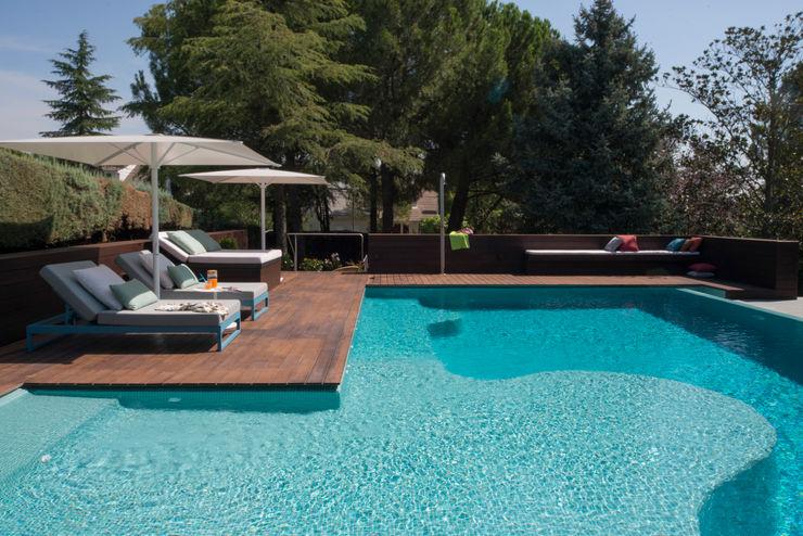 Piscina 1 2 3 AGi architects arquitectos y diseñadores en Madrid Piscinas de jardín Madera Acabado en madera
