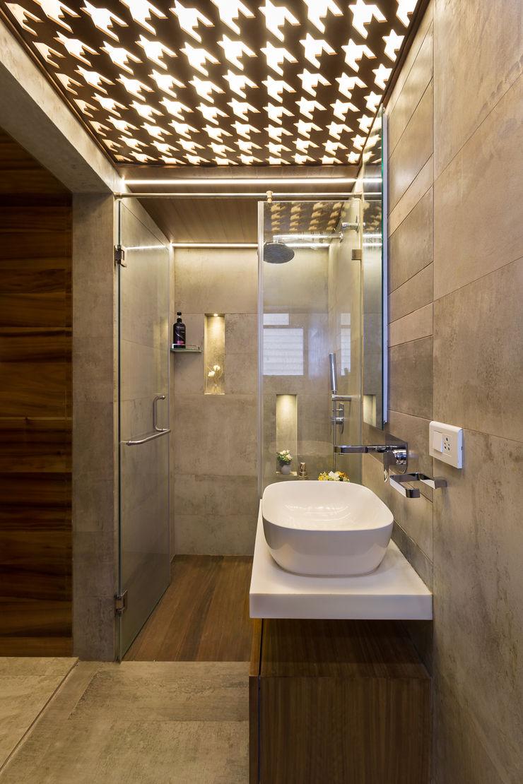Bathroom The design house Modern bathroom Tiles Brown