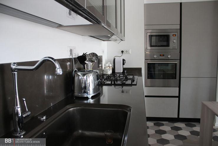 Dettagli in cucina BB1 LABORATORIO DI ARCHITETTURA & DESIGN Cucina attrezzata