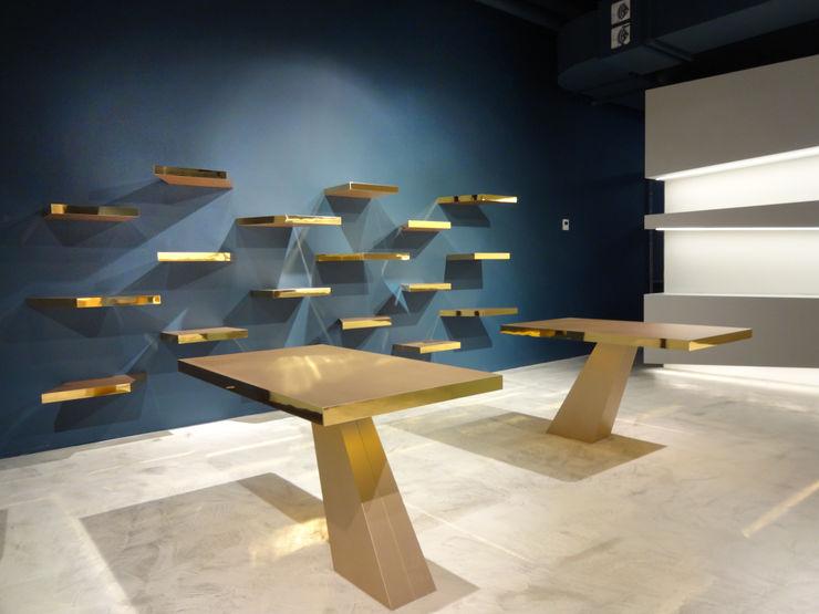 büro für interior design Ruang Komersial Modern Perunggu Blue