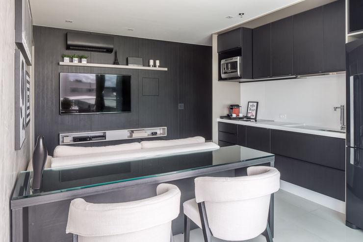 Carpaneda & Nasr Modern Living Room