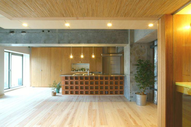 LDK A.A.TH ああす設計室 和風の キッチン レンガ 赤色