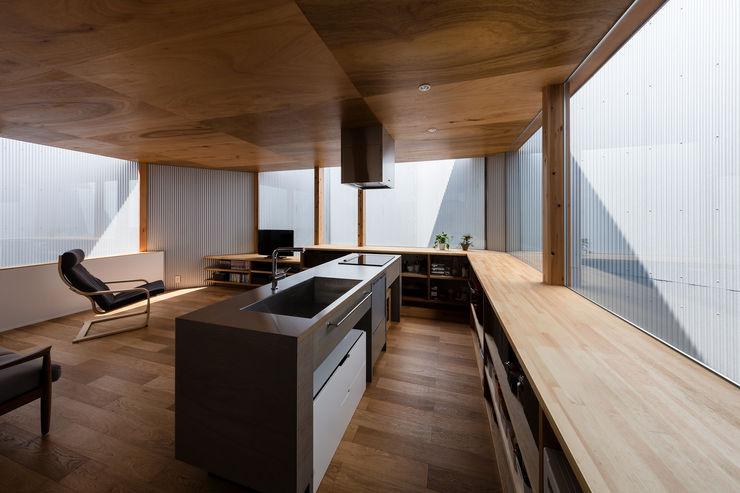 プライバシーの守られたLDK 建築設計事務所SAI工房 リビングルームカップボード&サイドボード