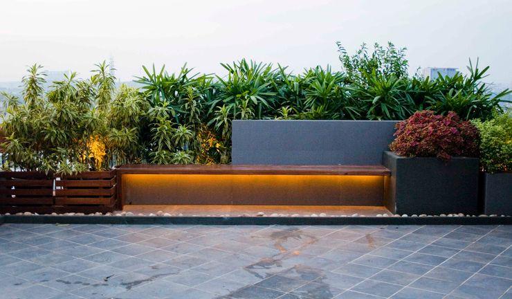 Seat and planter area Land Design landscape architects 庭院
