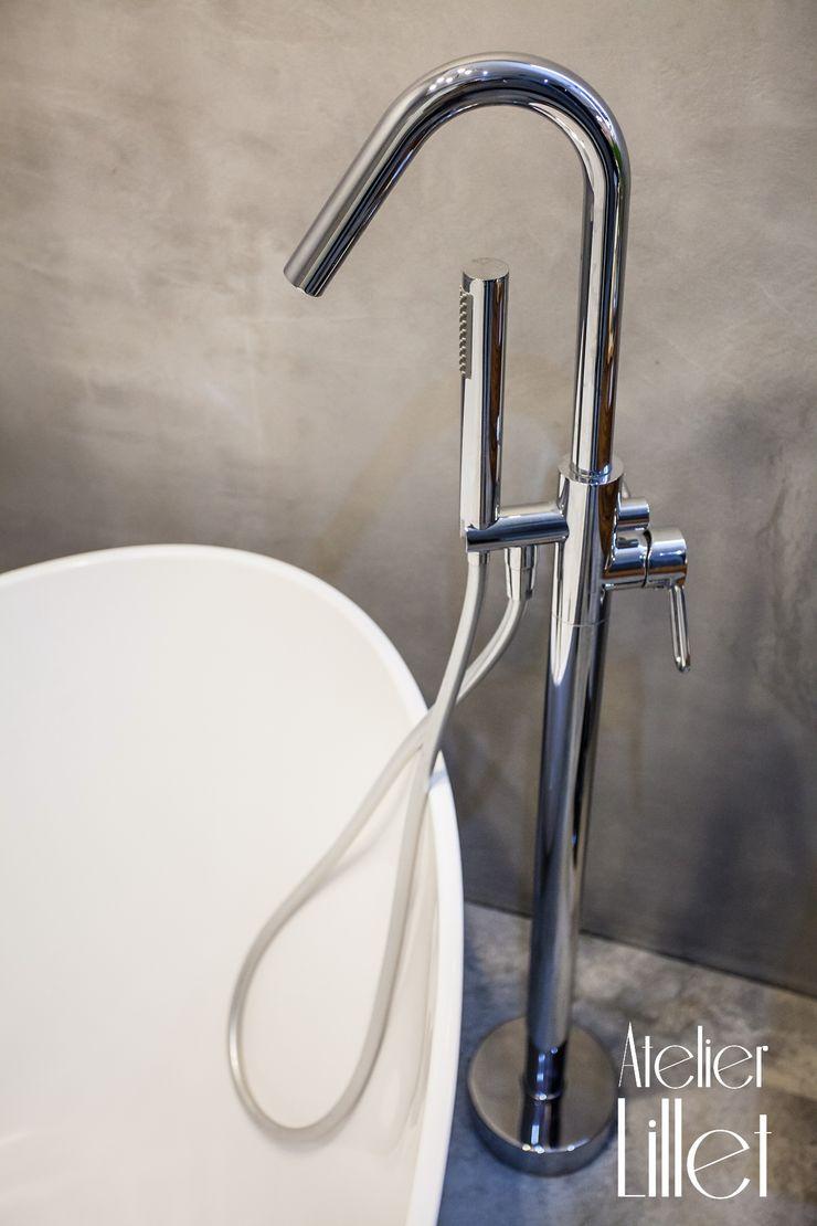 Pracownia projektowa Atelier Lillet Modern Bathroom Concrete Grey
