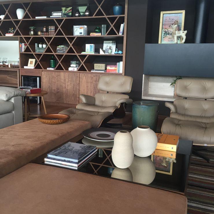 luciana zeitel & marcella libeskind arquitetura e interiores Ruang Keluarga Modern
