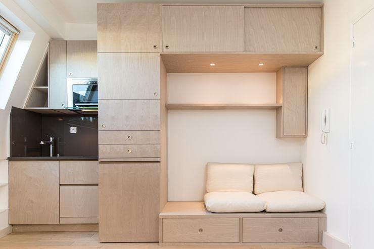 homify Modern Kitchen Wood Beige