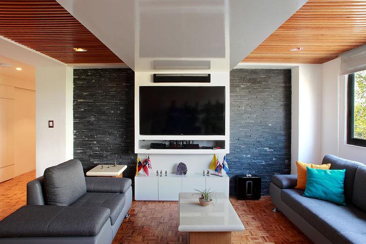 Letrán Valle All Arquitectura Salones eclécticos Acabado en madera