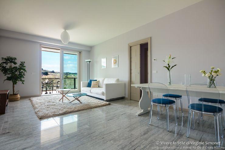 Home Staging su appartamento pilota di Palazzina in fase di realizzo Vivere lo Stile Soggiorno moderno