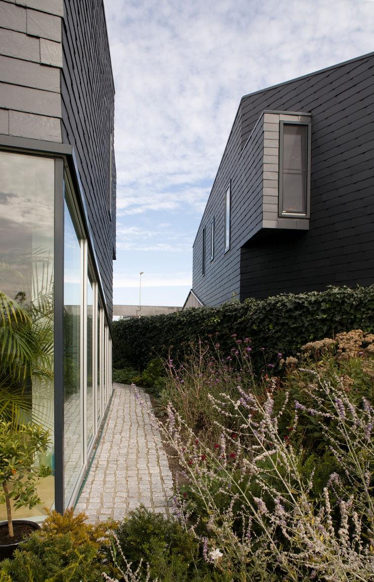 TEKTON architekten Minimal style window and door