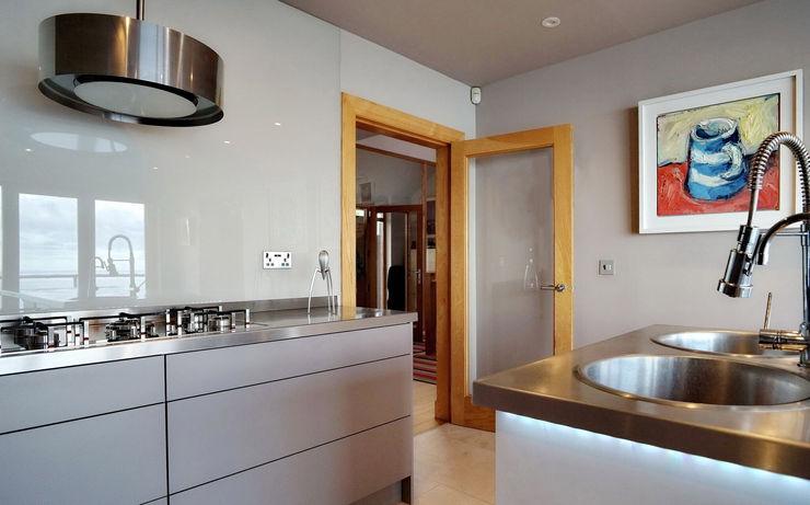 Glass Splashbacks ADORNAS KITCHENS Modern kitchen Wood Brown