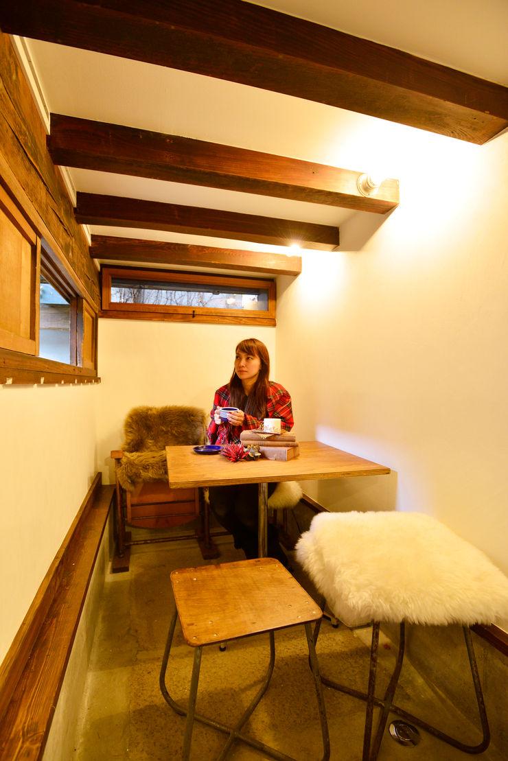 株式会社SHOEI Eclectic style dining room