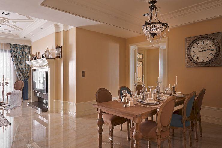 理絲室內設計有限公司 Ris Interior Design Co., Ltd. Dining roomAccessories & decoration Beige