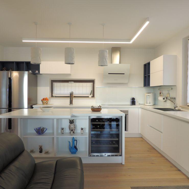 Nadia Moretti KitchenCabinets & shelves Wood White