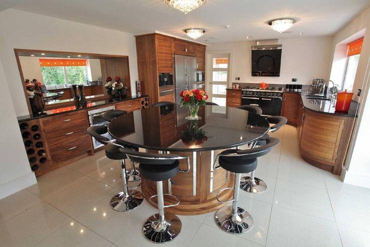 Draethen Farm House Conversion Smarta Dapur Modern