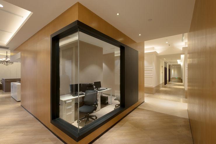 RAW DESIGN STUDIO Modern study/office