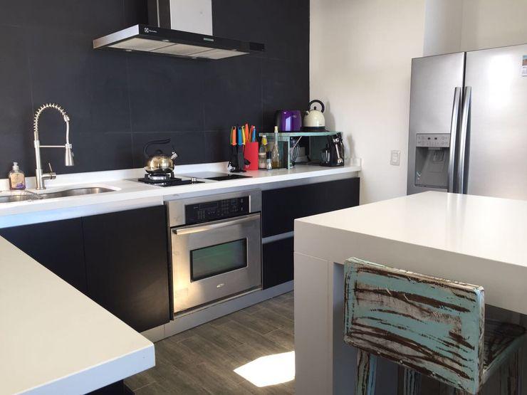 Mobiliarios y Proyectos Tresmo Ltda KitchenTables & chairs