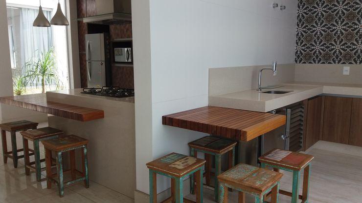 Monica Guerra Arquitetura e Interiores Modern style kitchen