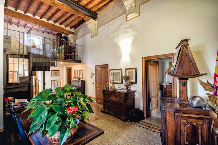 Studio Prospettiva Salones de estilo clásico Mármol Beige