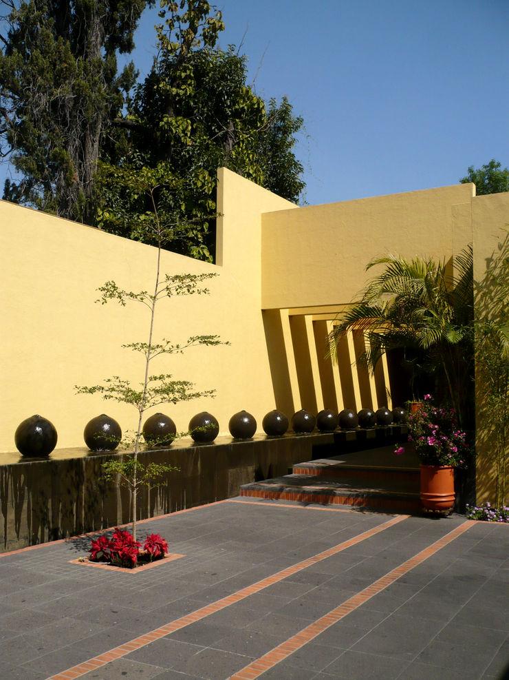 Can SeV Taller A3 SC Casas modernas Piedra Amarillo
