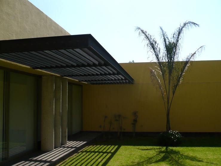 Can SeV Taller A3 SC Casas modernas Metal Amarillo