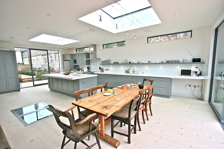 Brancaster, North Norfolk, UK Laura Gompertz Interiors Ltd 廚房 Grey