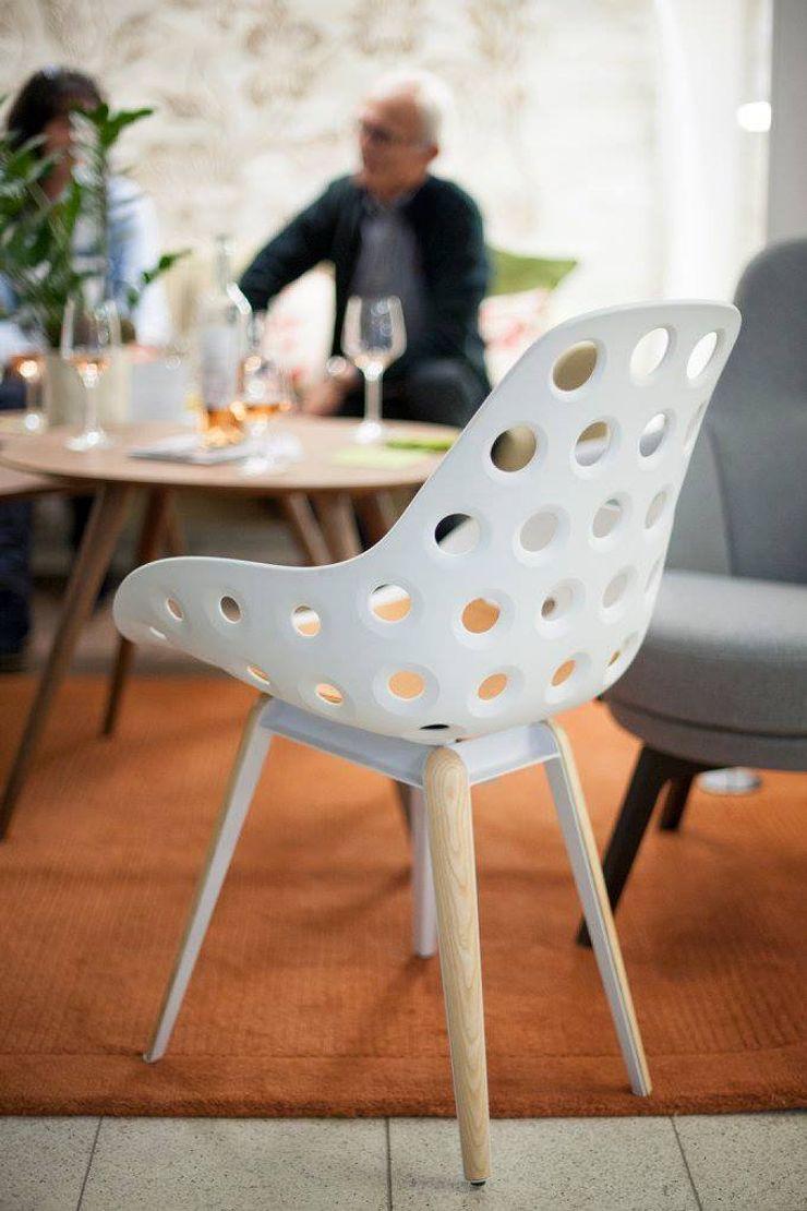 Slice chair natural, Dimple shell white Studio Sander Mulder SalonesTaburetes y sillas Metal