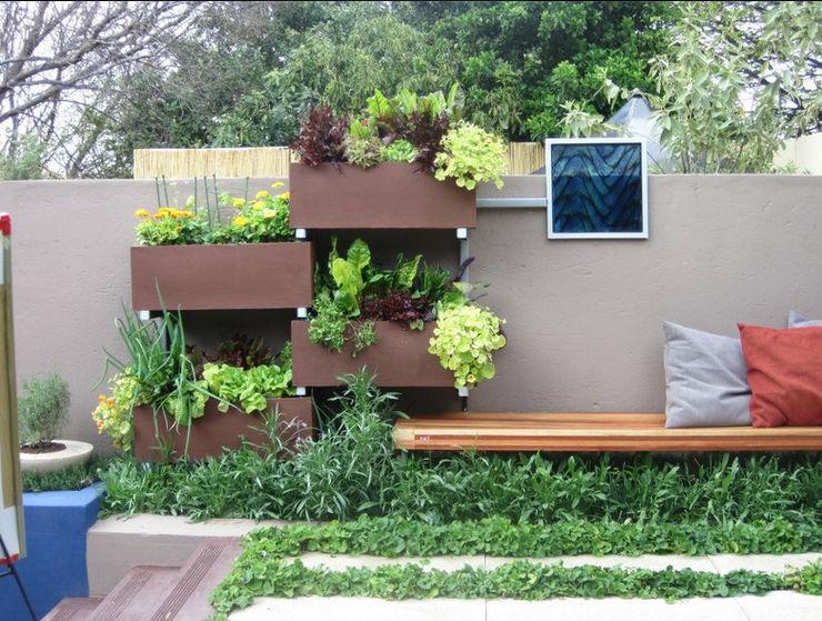 Working with walls Young Landscape Design Studio Garden
