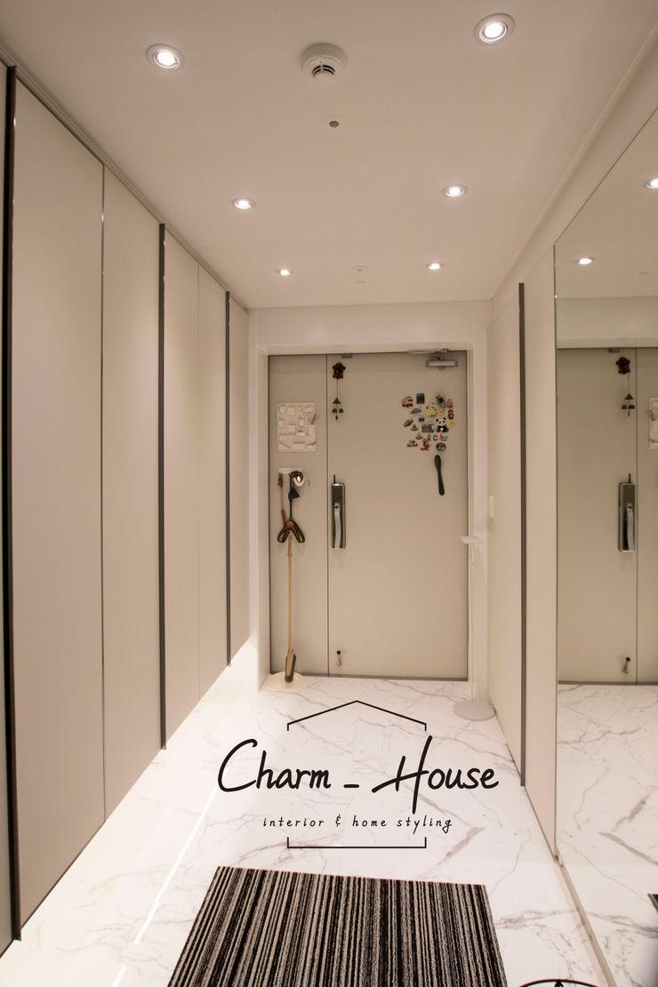 CHARM_HOUSE Коридор