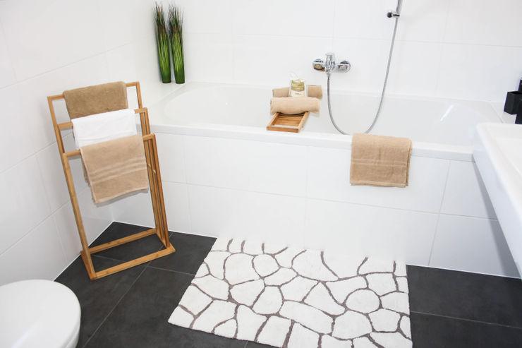 Bad Home Staging by Sabrina Schulz BadezimmerDekoration Beige