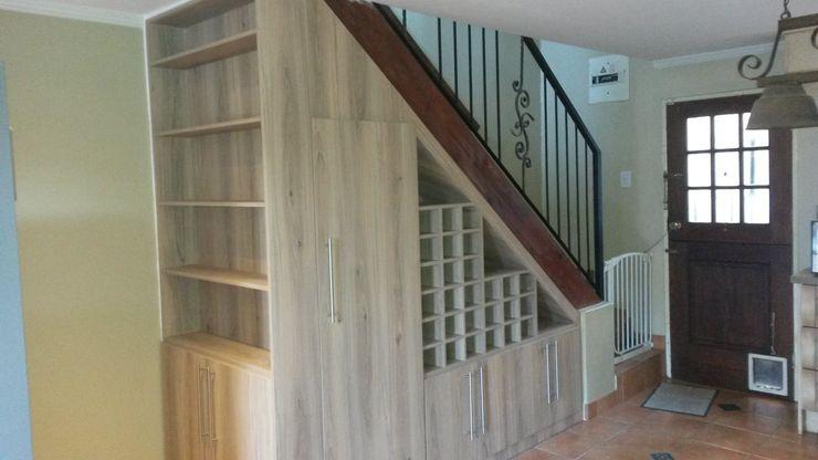 SCD Group Klassischer Flur, Diele & Treppenhaus Holz Holznachbildung
