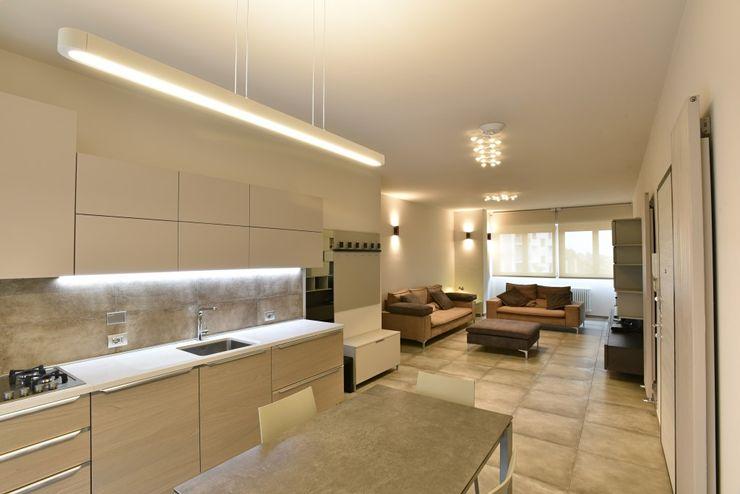 appartamento C+G - 2015 architetto Davide Fornero Cucina moderna Ceramica Beige