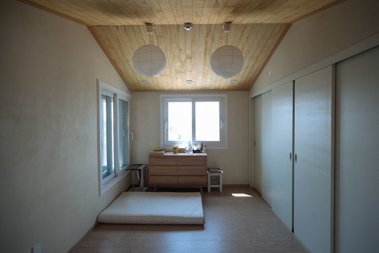 구름집 02-338-6835 Moderne Schlafzimmer Holz Holznachbildung