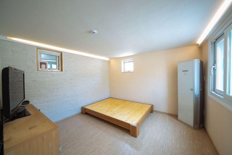 구름집 02-338-6835 Moderne Schlafzimmer Beton Weiß