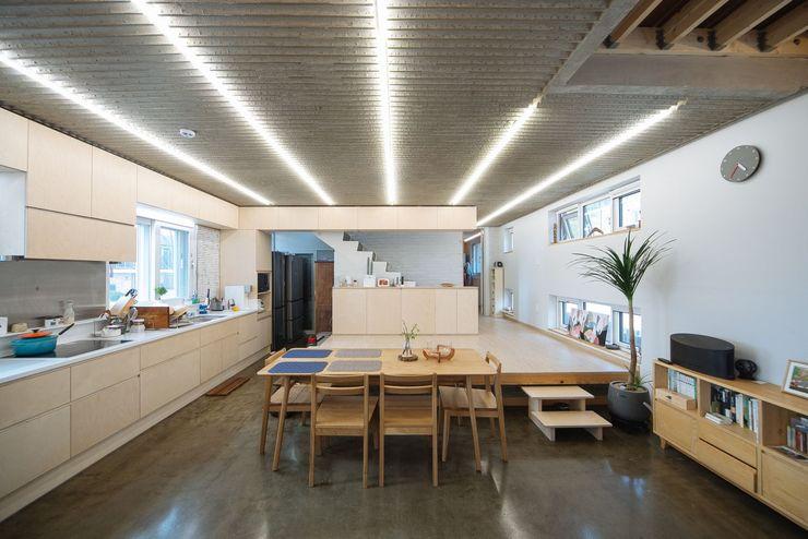 구름집 02-338-6835 Moderne Wohnzimmer Holz Holznachbildung