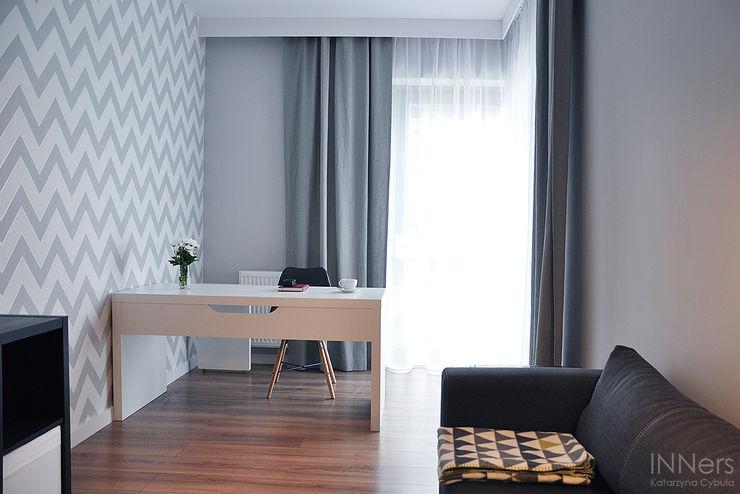 INNers - architektura wnętrza Scandinavian style study/office