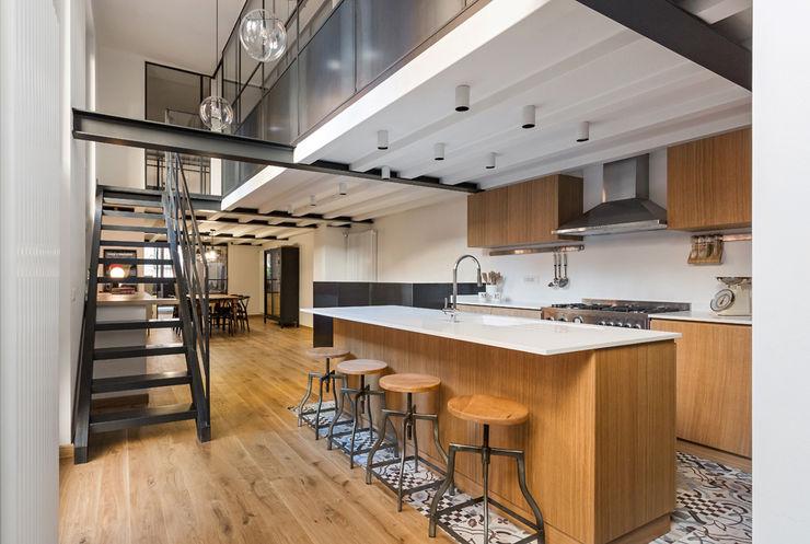 NOMADE ARCHITETTURA E INTERIOR DESIGN Cocinas de estilo industrial