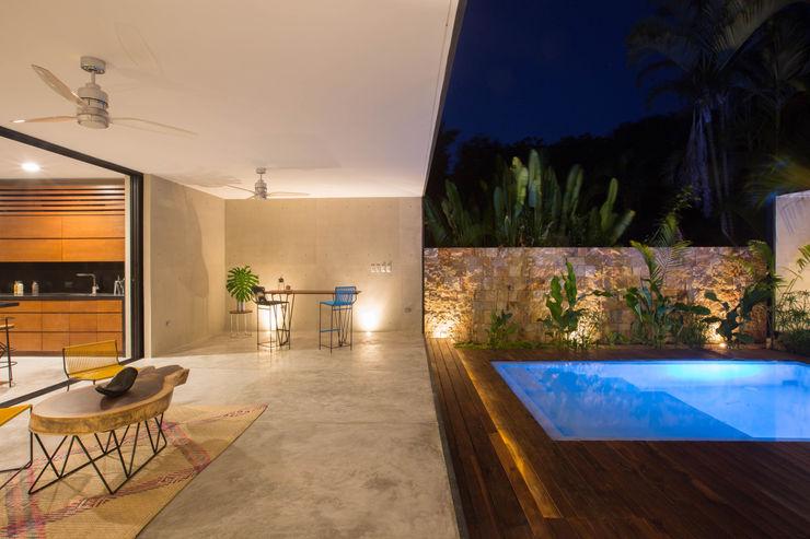 FGO Arquitectura Modern balcony, veranda & terrace Concrete