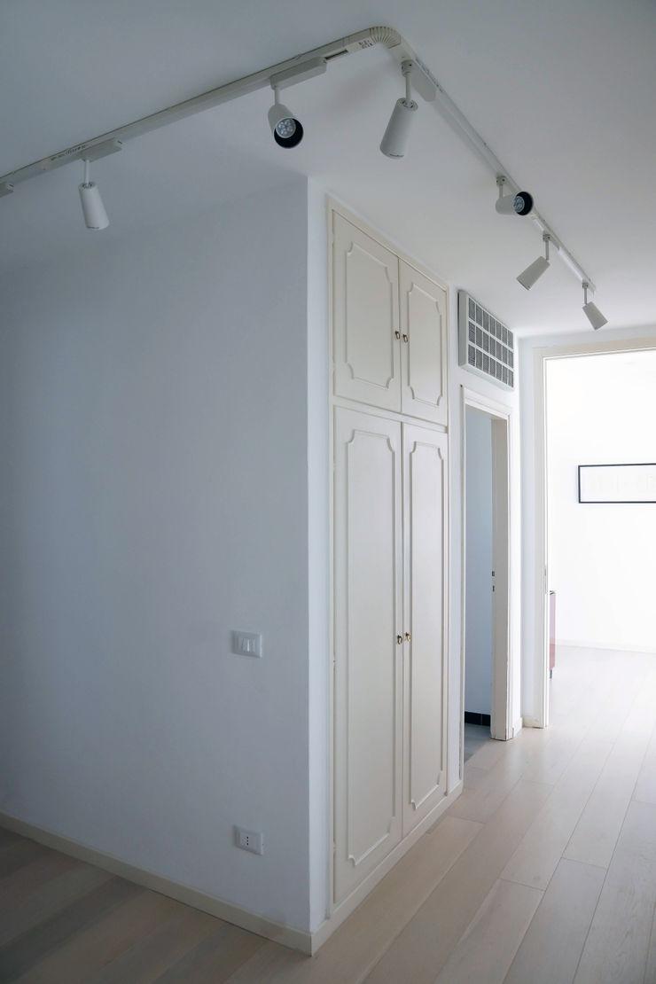 Polihouse Luca Bucciantini Architettura d' interni Ingresso, Corridoio & Scale in stile minimalista
