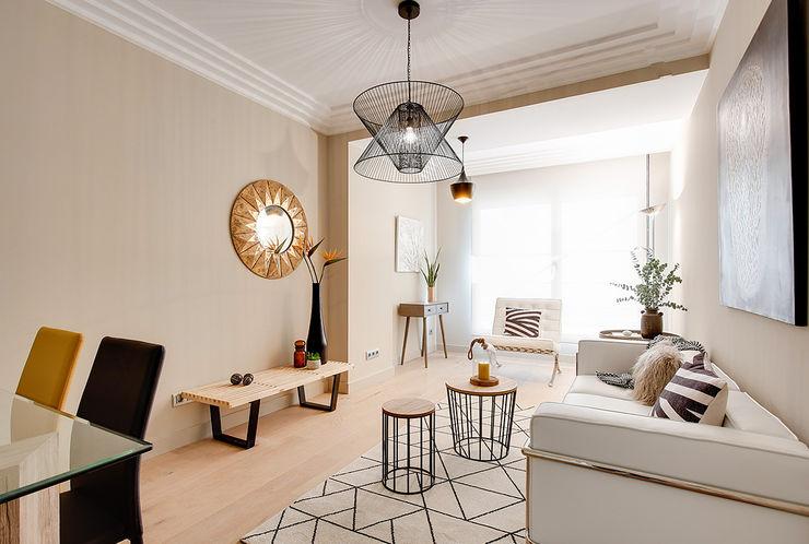 Living area Markham Stagers Salon moderne