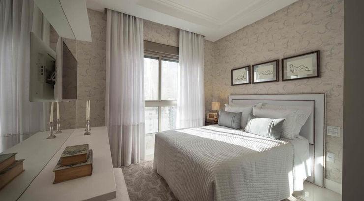 Flávia Kloss Arquitetura de Interiores Klassische Schlafzimmer MDF Weiß