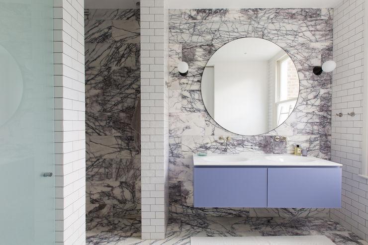 Hall - Brook Green London townhouse My-Studio Ltd Moderne Badezimmer Marmor Lila/Violett