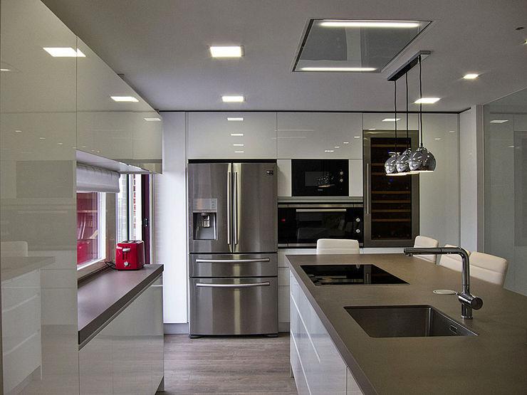 Muebles de Cocina Aries KitchenCabinets & shelves White