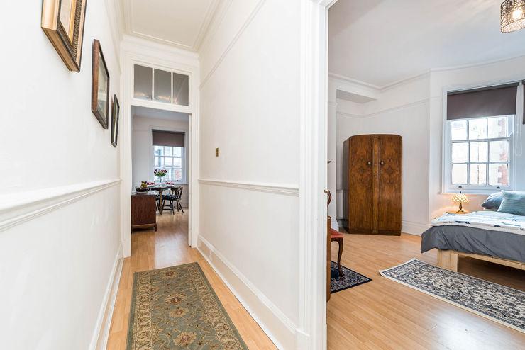 London Portman Refurbishment designSTUDIO - Lopes da Silva Classic style corridor, hallway and stairs