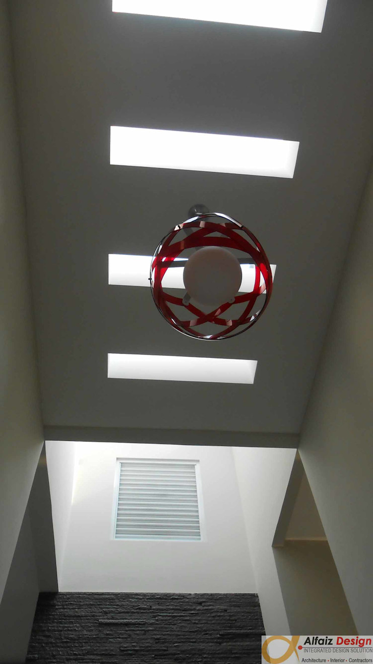 Alfaiz Design Modern Corridor, Hallway and Staircase Beige