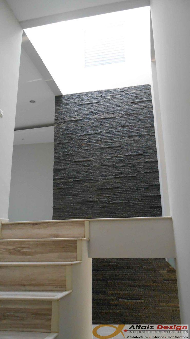 Alfaiz Design Tropical style corridor, hallway & stairs